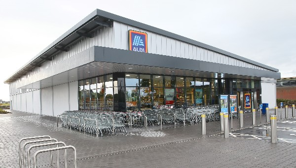 Aldi to Trial Reusable Fresh Produce Bags Made from 100% Recycled Plastic Bottles
