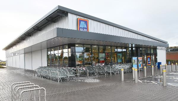 Aldi announces extended opening hours over Christmas week  - stores to open from 8am-11pm