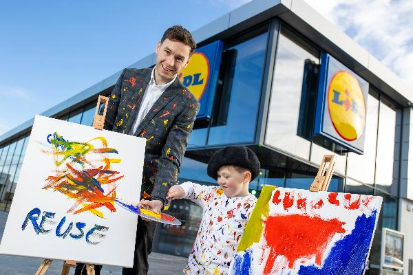 Lidl Ireland sparks conversations around sustainability among school children to celebrate launch of new quirky recycled shopping bags