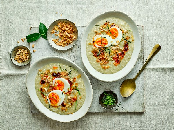SPICE UP YOUR BREAKFAST ROUTINE THIS WORLD PORRIDGE DAY Flahavan's create recipes with a global twist!