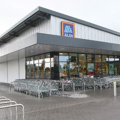Aldi is first retailer to donate non-surplus food to FoodCloud during Covid-19 Donation enables FoodCloud to support 17 new food hubs in 15 counties across Ireland