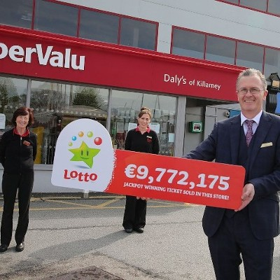 """It was sitting in my handbag for almost a week!"" Kerry family syndicate claim €9,772,175 Lotto jackpot after patient two month wait"
